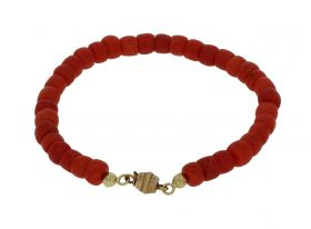 Bloedkoraal antieke armband met 18 karaats gouden slot
