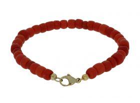 Bloedkoraal dames armband aan 14 karaats gouden karabijn sluiting