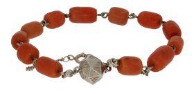 Fraaie bloedkoraal armband met zilveren paston sluiting