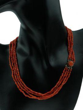 4-strengs bloedkoraal ketting antieke gouden sluiting