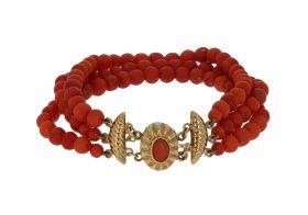 3-strengs bloedkoraal armband gouden slot en veiligheidskettinkje