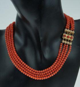 Antiek bloedkoraal dames / meisjes collier met 14 karaats gouden sluiting