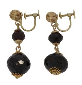 Antieke 14 karaats gouden oorbellen facetgeslepen granaat