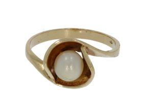 14 karaats geelgouden design ring met parel