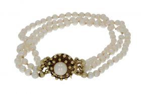 3-strengs parel armband aan 14 karaats gouden design sluiting