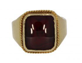 Zware 18 karaats gouden Vintage heren ring robijn