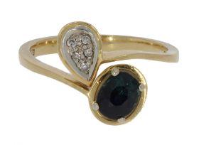 18 karaats gouden slagring met 5 diamanten en saffier