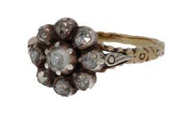 Antieke 14 karaats gouden en zilveren ring met 9 roosdiamanten