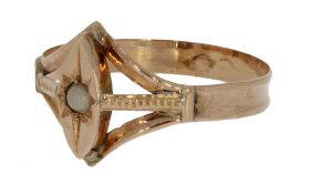Antieke 19e eeuwse gouden ring met blisterparel