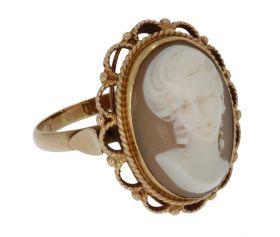 Klassieke 14 karaats gouden ring met schelpcamee portret
