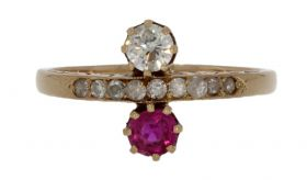 14 karaats gouden Vintage Toi et Moi ring diamanten en robijn