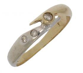 14 karaats bicolor gouden damesring met 3 diamantjes