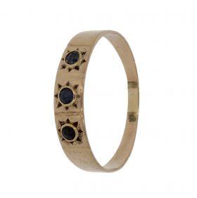 Antieke 14 karaats gouden band ring met 3 saffieren