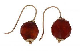 14 karaats gouden antieke oorstekers Carneool