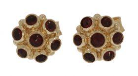 14 karaats gouden oorstekers met granaten